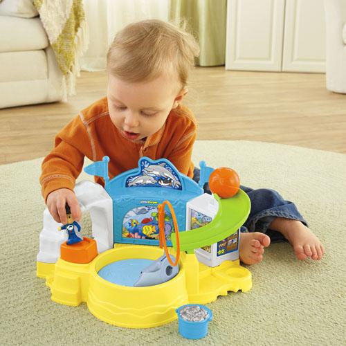 Toddler Toys People : Little people aquarium visit shop toddler