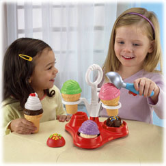 Servin' Surprises™ Ice Cream Party Set