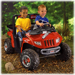 Power Wheels® ARCTIC CAT® 1000 (Red)