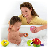Disney Baby NEMO Nesting Bath Pals Amazing Animals™